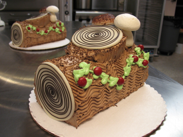 Buche de Noel | Foley's Cakes